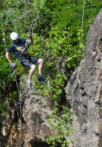 rappelling-costa-rica