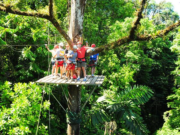 Zip-lining-in-Monteverde-Cloud-Forest